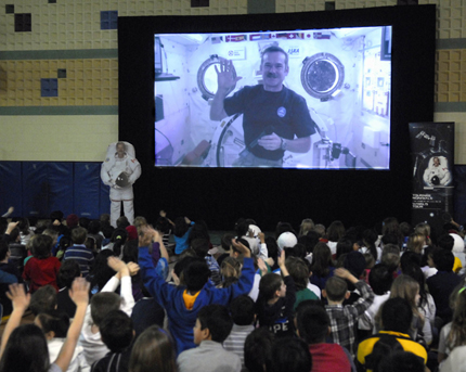 Hadfield speaks to students