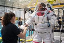 Spacewalk training for CSA astronaut David Saint-Jacques