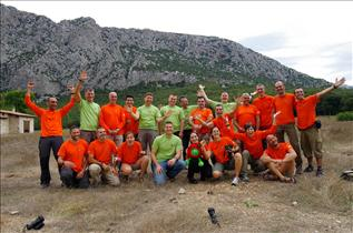 The CAVES 2013 team
