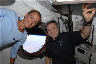 Canadian astronauts Julie Payette and Bob Thirsk