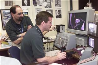 Astronaut Chris Hadfield trains for STS-100