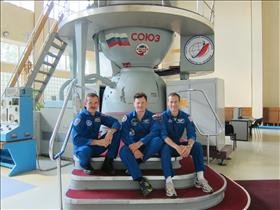 The crew of Expedition 34/35 simulate Soyuz operations