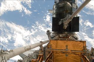 The Canadarm Provides a Ride