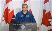 Astroskin: Minister Garneau unveils Next-Generation Space Technology