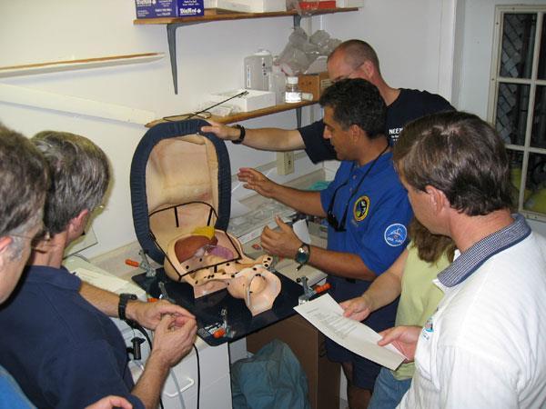 Dr. Anvari explains abdominal anatomy