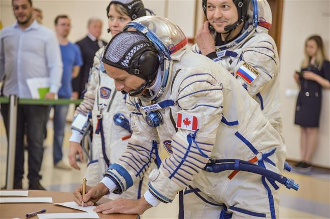 L'astronaute canadien David Saint-Jacques passe l'examen de qualification