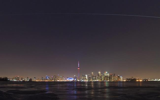 La Station spatiale internationale traverse le ciel de Toronto