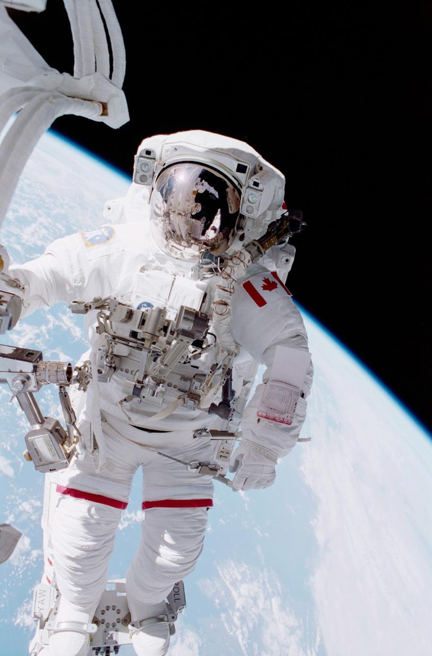L'astronaute Chris Hadfield dans l'espace