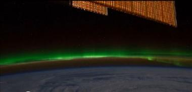 Thumbnail for video 'Canada's Aurora Borealis from Space - Feb 7, 2012'