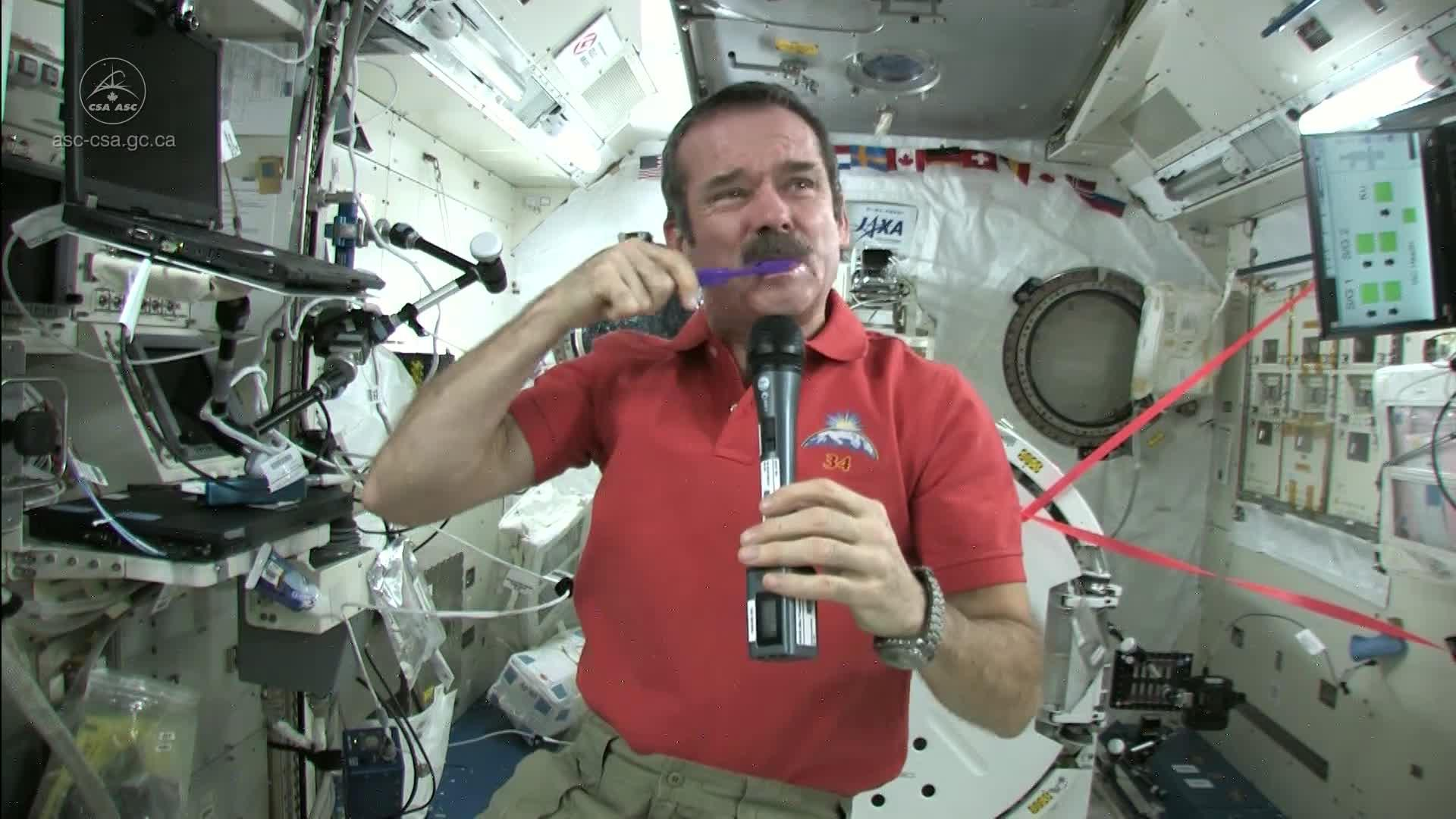 How astronauts use the bathroom - How Astronauts Use The Bathroom 11