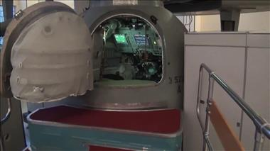 Thumbnail for video 'CSA Astronaut Chris Hadfield trains in the Soyuz Simulator'