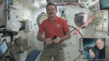 Thumbnail for video 'Chris Hadfield and William Shatner connect in CSA Tweetup'