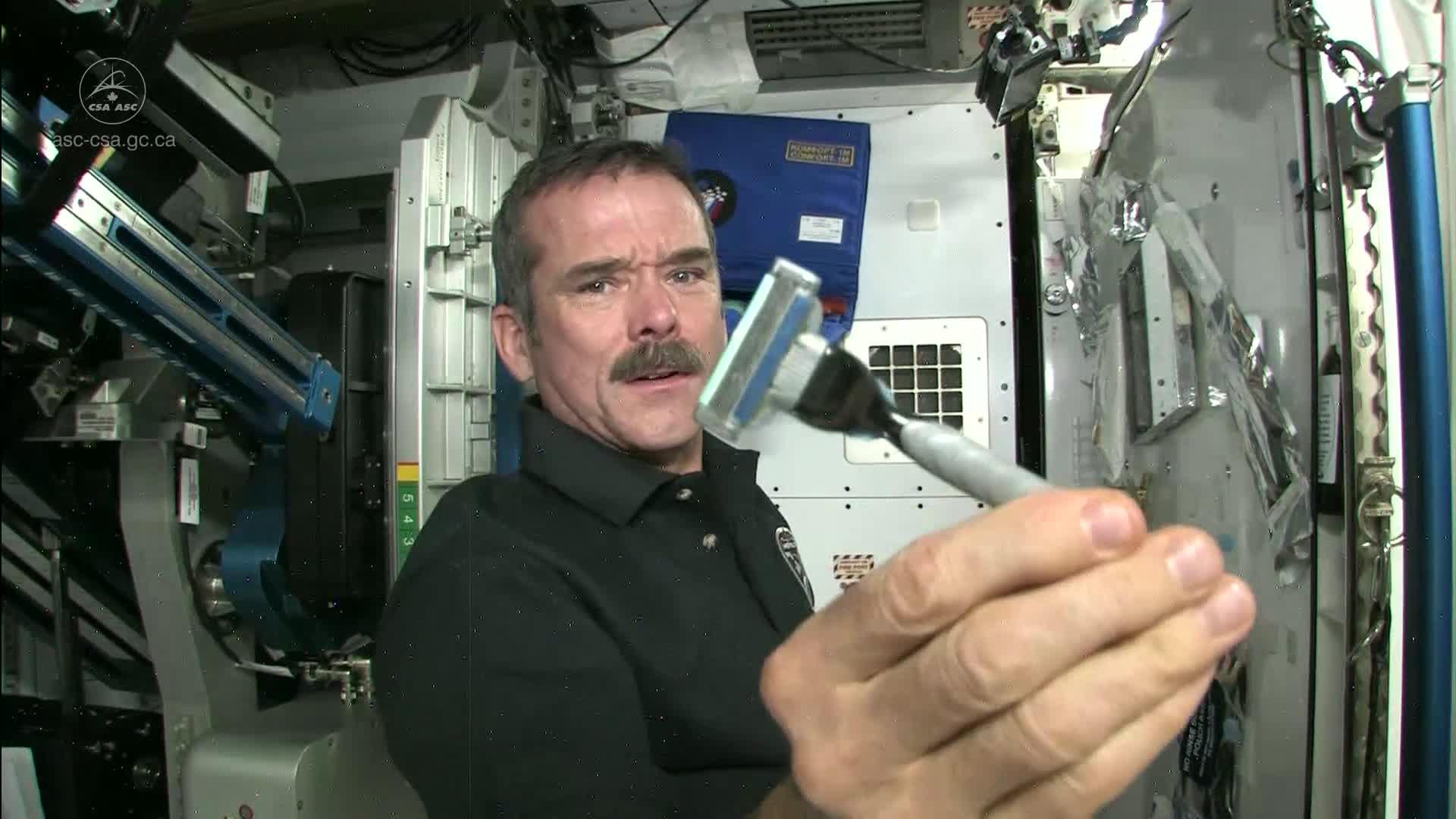 How astronauts use the bathroom - How Astronauts Use The Bathroom 36